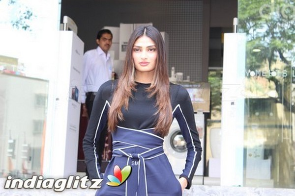 Athiya Shetty
