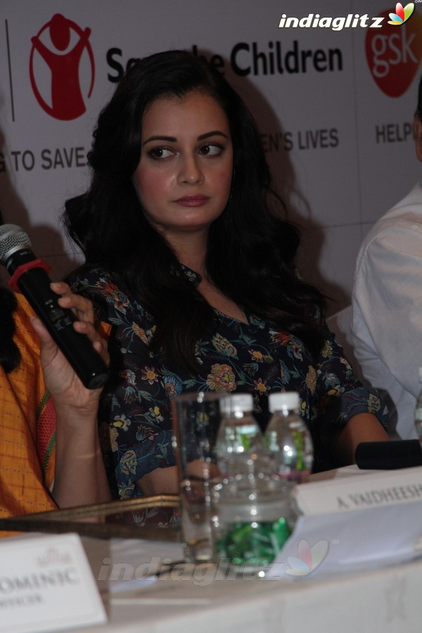 Dia Mirza attends Healthcare Innovation Awards 2017