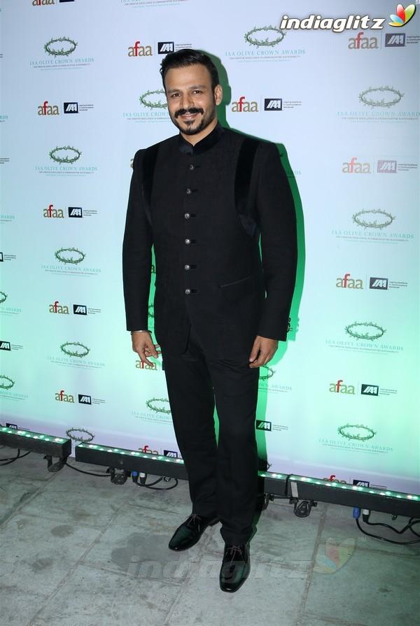 Vivek Oberoi, Dia Mirza at Olive Crown Awards 2017