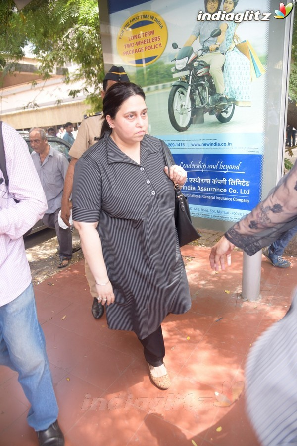 Himesh Reshammiya & Wife Komal are Officially Divorced