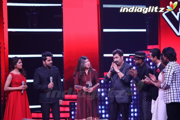 Kumar Sanu & Alka Yagnik at Semi Final of The Voice India Season 2