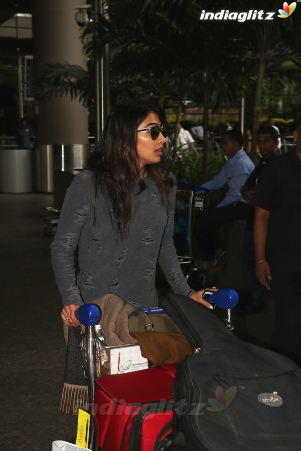 Pooja Hegde Spotted at International Airport