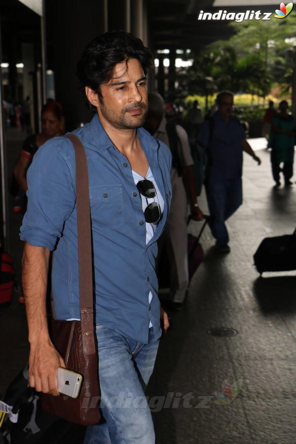 Rajeev Khandelwal Spotted at International Airport