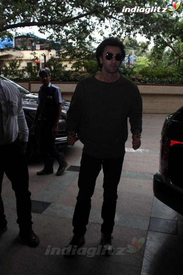 Ranbir Kapoor & Katrina Kaif Promote 'Jagga Jasoos' at Radio City