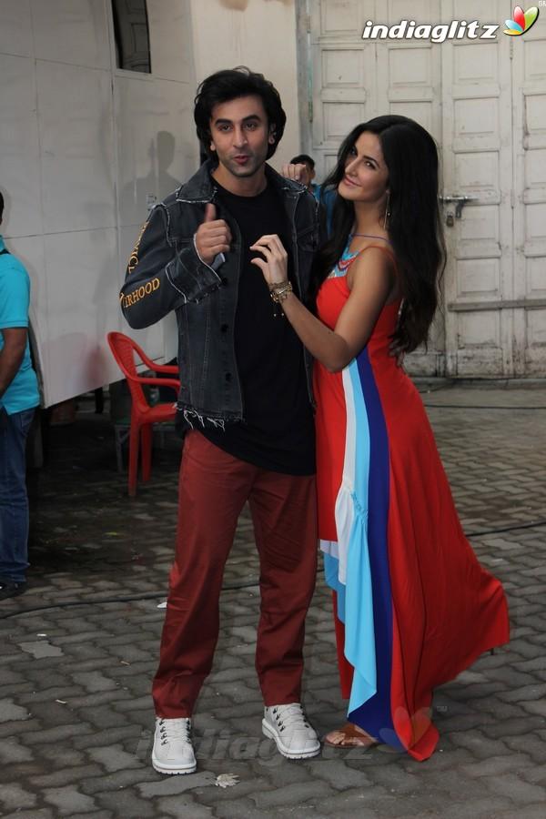 Katrina & Ranbir Spotted at Mehboob Studio