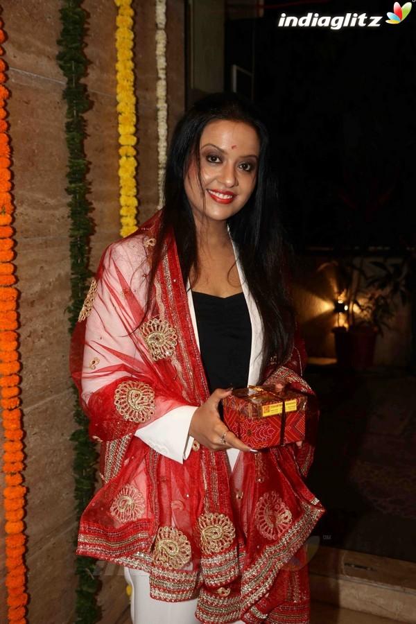 Sachin Tendulkar at Anu Malik's Jagrata