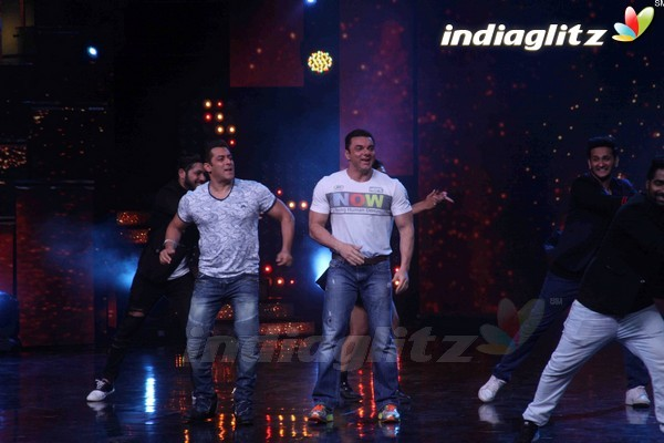 Salman, Sohail Promote 'Tubelight On Nach Baliye Season 8