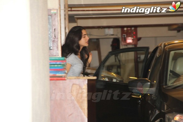 Saif Ali Khan's Daughter Sara at Kareena Kapoor's House Party