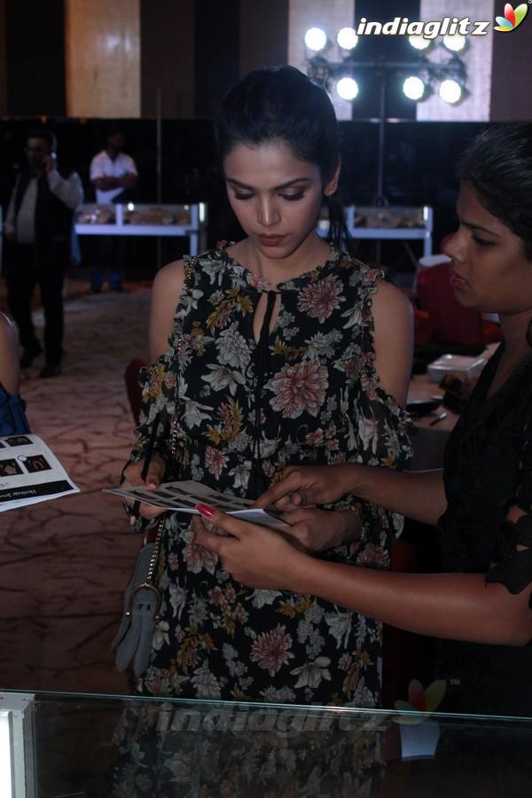 Sayani Gupta, Shriya Pilgaonkar at 13th Gemfields Retail Jewellers India Awards