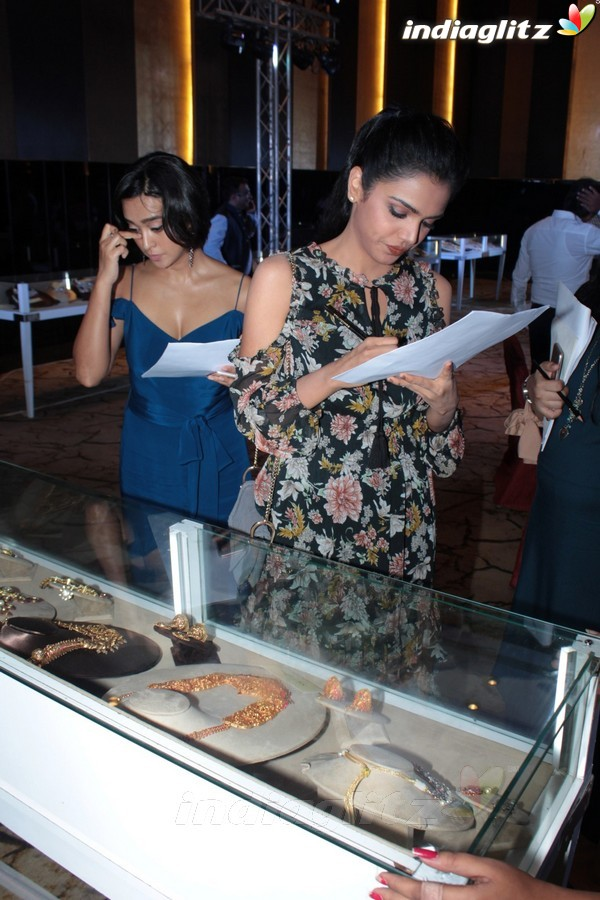 Sayani Gupta, Shriya Pilgaonkar at 13th Gemfields Retail Jewellers India Awards
