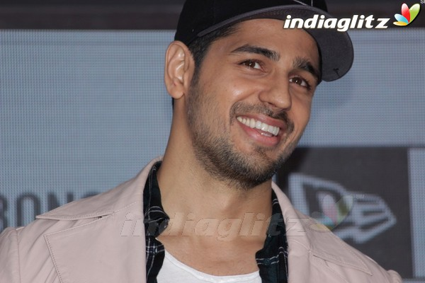 Sidharth Malhotra at Jabong International Sports Brand Launch