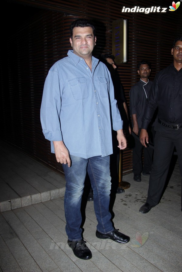Varun Dhawan Hosted Success Party of 'Badrinath Ki Dulhania'