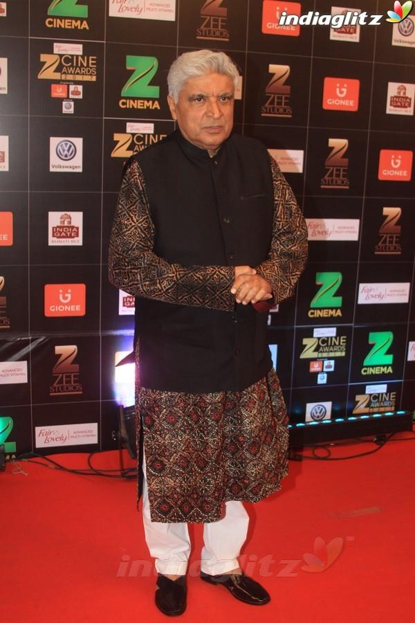 Salman, Kareena, Anushka, Hrithik, Irrfan at Zee Cine Awards 2017