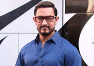 Aamir Khan as 'Proud Dad'