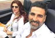 Akshay Kumar & wife Twinkle celebrate 16th wedding anniversary!