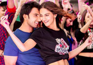 'Befikre' celebrates Vaani Kapoor's birthday with HOT new still