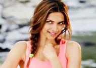 Deepika gets South Indian treat from fan!
