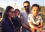 Sanjay Dutt celebrates wedding anniversary at Taj Mahal