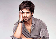 Shahid Kapoor nervous about 'Rangoon'! READ WHY!!