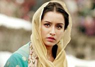Shraddha Kapoor dons real Haseena's clothes?