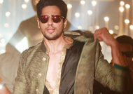 Sidharth Malhotra worked hard for 'Kala Chashma' song