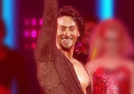 Tiger Shroff rocks at Filmfare Awards