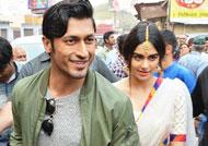 Vidyut Jammwal & Adah Sharma visit Ganga