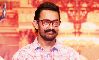 Aamir Khan BREAKS HIS OWN RULE: Attends Lata Mangeshkar's event