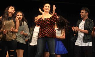 Alia Bhatt Visits Dance Academy 'Strut - The Dancemakers'