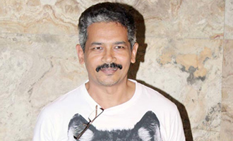 Atul Kulkarni: Doing sword-fighting stunts myself in 'Manikarnika'