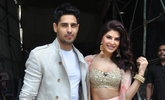Sidharth, Jacqueline on Set of Comedy Dangal For 'A Gentleman' Promotion