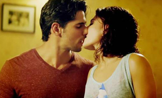 When Sidharth found Jacqueline 'too hot' to handle