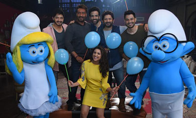 'Golmaal Again' with Smurfs spread joy together!