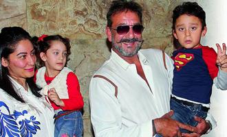 Sanjay Dutt's secret treats to his twins