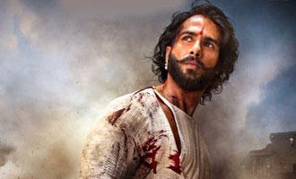 Shahid flaunts bruised, brave avatar in 'Padmavati'