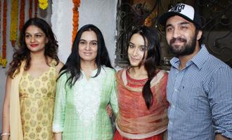 Shraddha Kapoor Celebrates Ganesh Chaturthi With Family at Home