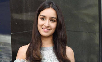 DYK? Shraddha Kapoor earlier worked at coffee shop?