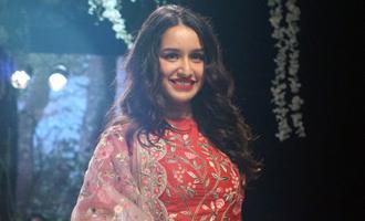 LFW W/F'17: Shraddha Kapoor becomes designer Rahul Mishra's muse