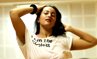 Sonakshi Sinha: Not chasing Hollywood dreams