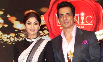 Shilpa Shetty & Sonu Sood at Iconic Brands of India 2017 Summit