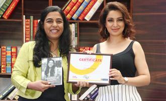 Tisca Chopra Felicitate Winners of Pink Power