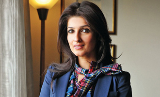 Twinkle Khanna bags Popular Choice Award at Bangalore Lit Fest