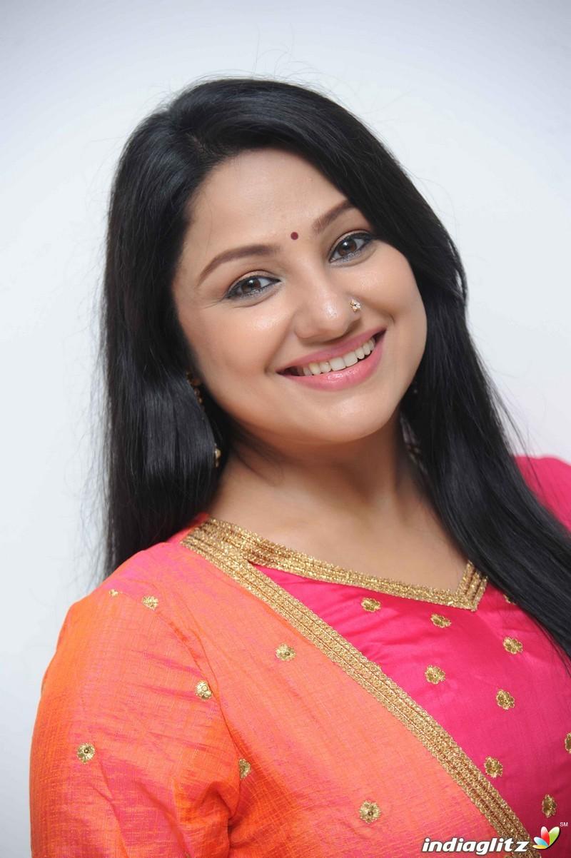 Infotainment Hub: Priyanka Trivedi (Tamil Hot Actress