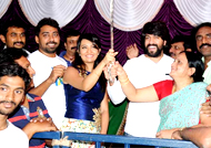 Yash birthday, fans throng house