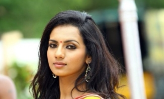 Shruthi signs Mansore film