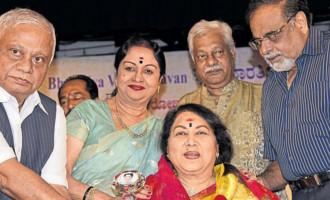 Saroja devi shoutd get Phalke, Singh Babu