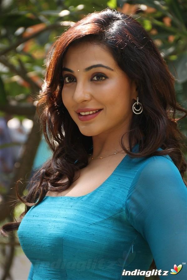 Parvathy Nair Tamil Actress Gallery Indiaglitz Tamil