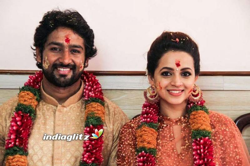 Bhavana Alias Karthika Got Engaged With Naveen