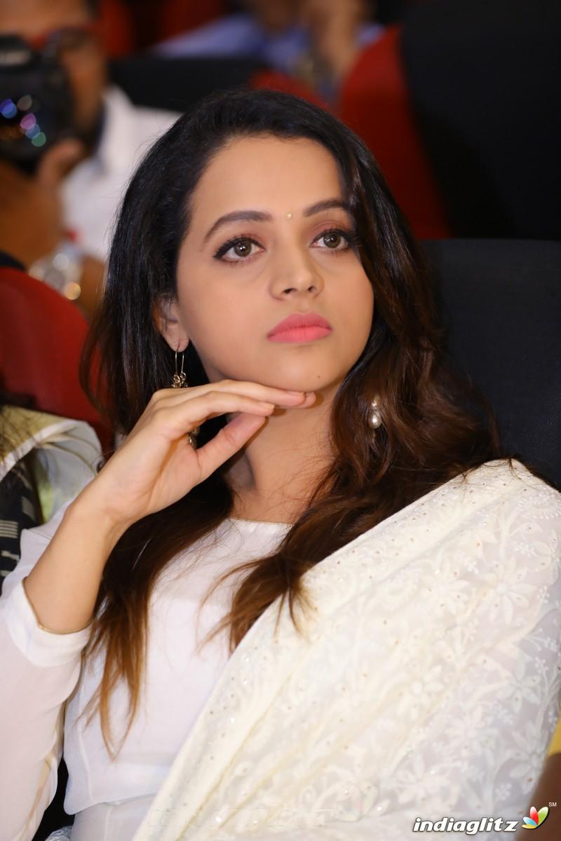Events - Jyothi Krishna Wedding Movie Trailer Launch - IndiaGlitz ... for Jyothi Krishna Malayalam Actress  183qdu