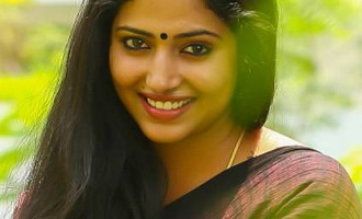Vineeth Sreenivasan to romance the new sensation of Mollywood